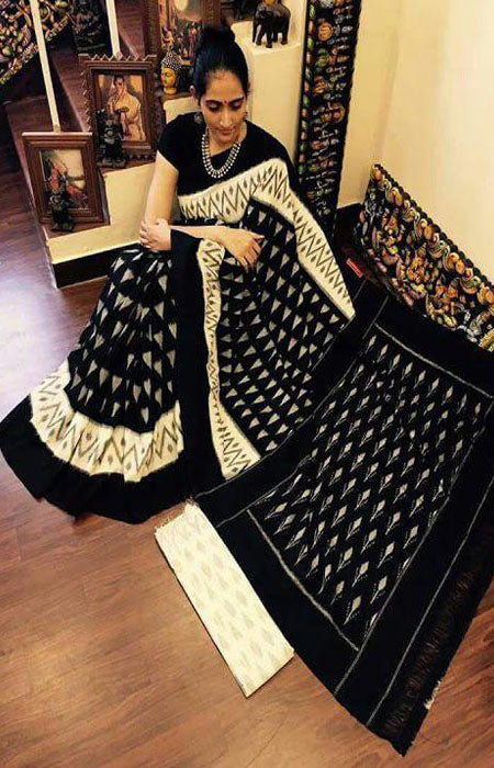 Desiring Black Color Linen Designer Digital Print Saree LN8089