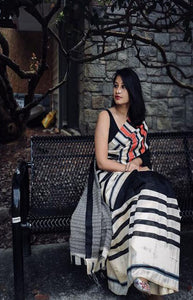 Captivating Black and White Color Linen Designer Digital Print Saree LN8106