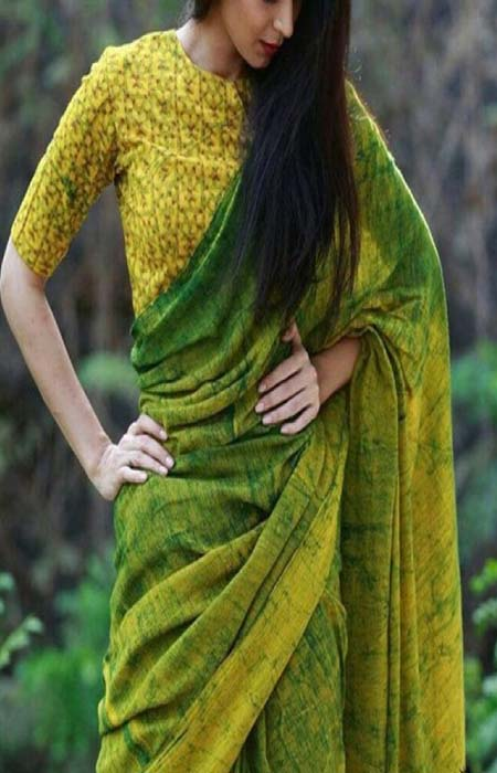 Embodied Green Color Designer Soft Silk Saree SC3152