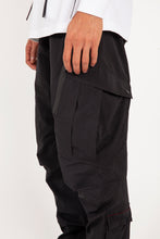 Charger l'image dans la galerie, Tech Cargo Trackpants