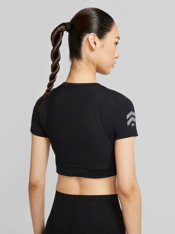 NIKE BLACK AEROADAPT SHORT SLEEVE CROP TEE