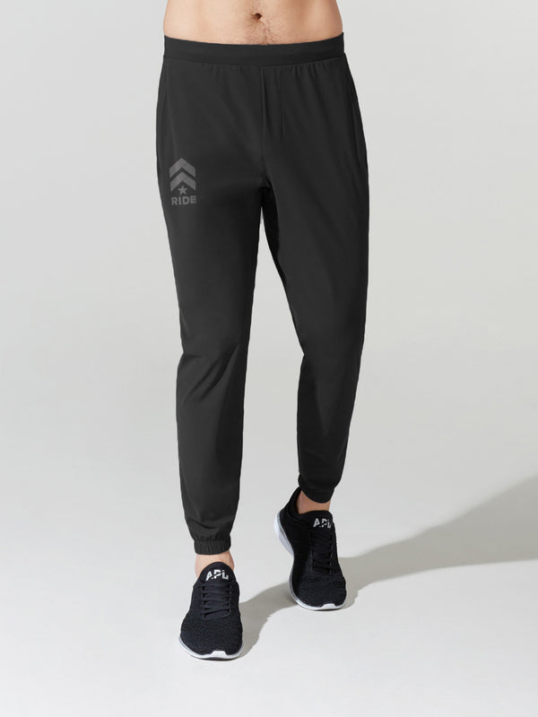LULULEMON // BARRY'S RIDE BLACK SURGE JOGGER