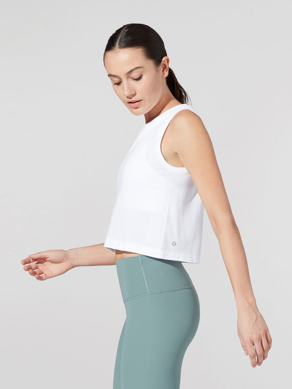 LULULEMON // BARRY'S WHITE BREEZE BY MUSCLE CROP TANK