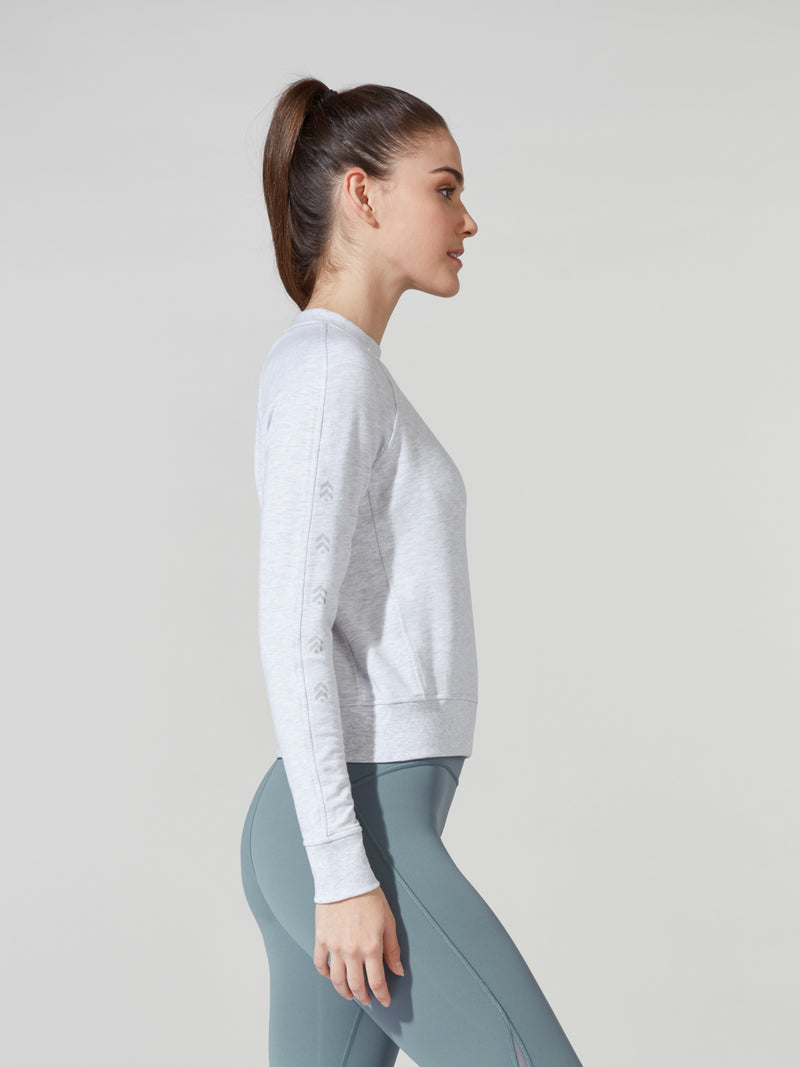 LULULEMON // BARRY'S LIGHT GREY WARM DOWN CREW