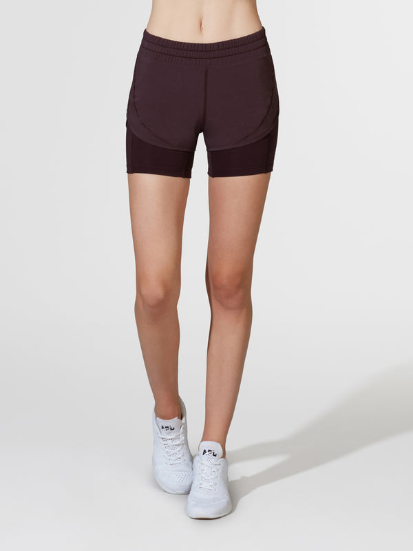LULULEMON PLUM SQUAT STRONG SHORT