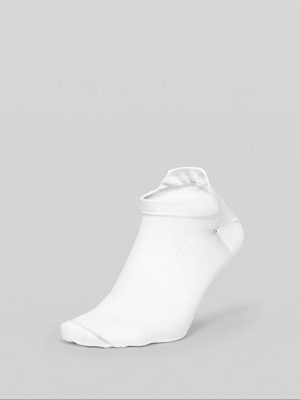 LULULEMON // BARRY'S WHITE SURGE SOCK