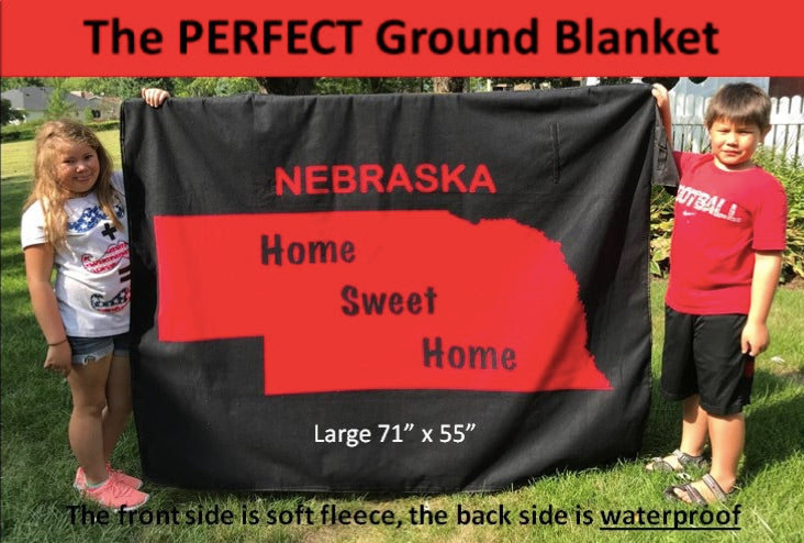 Nebraska Waterproof Bleacher Blanket | All Purpose & Great Blanket for Outdoors | The Perfect Ground Blanket | Best Blanket for Concerts, Hunting, Fishing, Yard Work, Camping