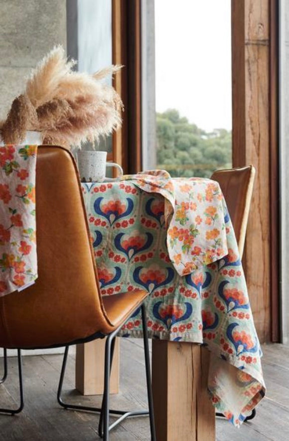 SOCIETY OF WANDERERS // Linen Table Cloth Maude Floral