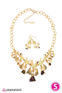 Paparazzi Blockbuster Necklace - The Sands of Time - Gold