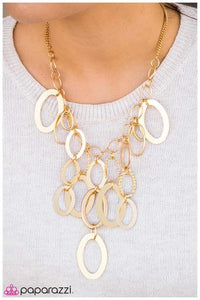 Paparazzi Blockbuster Necklace - Golden Spell - Gold
