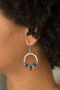 Paparazzi Earring ~ On The Uptrend - Black