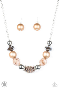 Paparazzi Blockbuster Necklace - A Warm Welcome - Brown