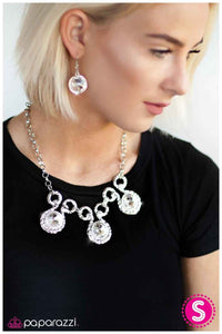 Paparazzi Blockbuster Necklace - Hypnotized - Silver White
