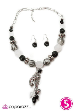 Paparazzi Blockbuster Necklace - Break a Leg - Black