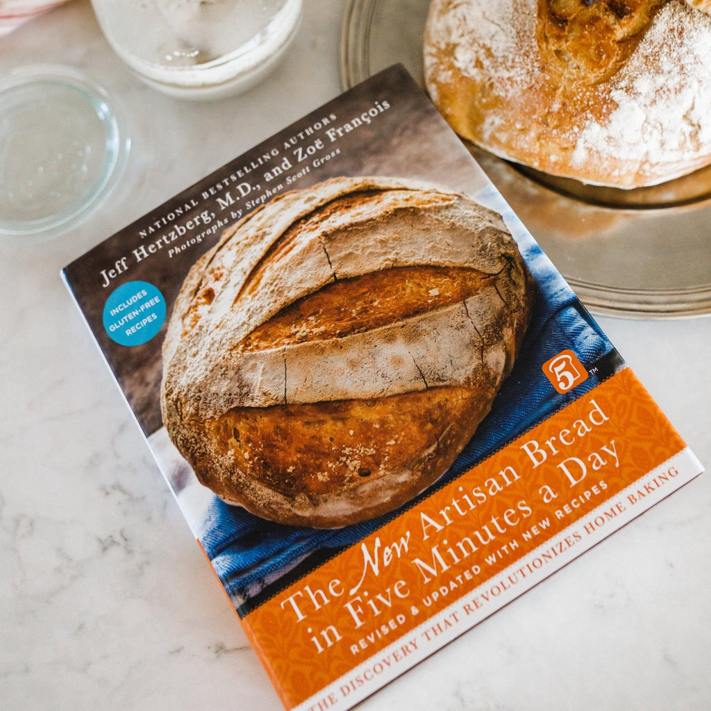 front cover of The New Artisan Bread in Five Minutes a Day: The Discovery That Revolutionizes Home Baking