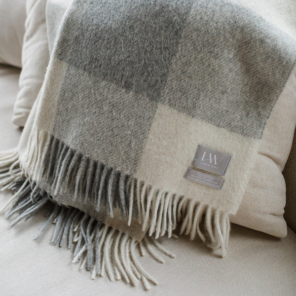 Linen Way Ivory/Smoke St. Louis Throw