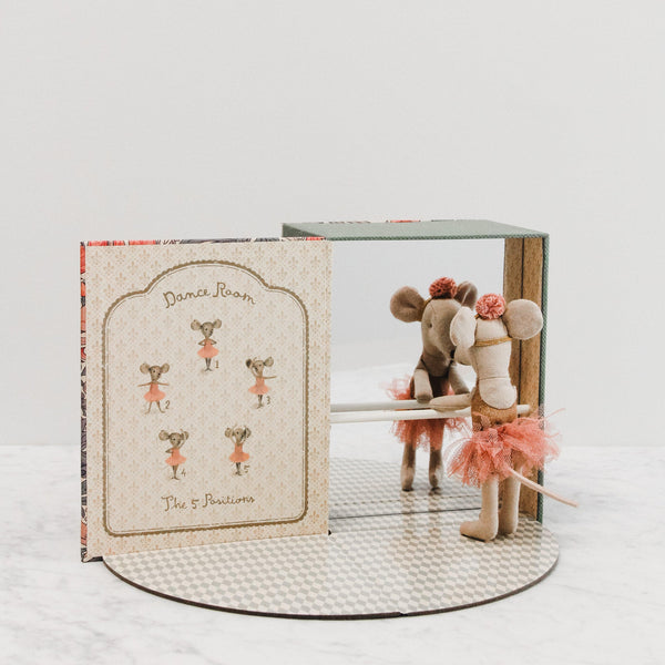 pink ballerina mouse playset book with miniature barre and mirror