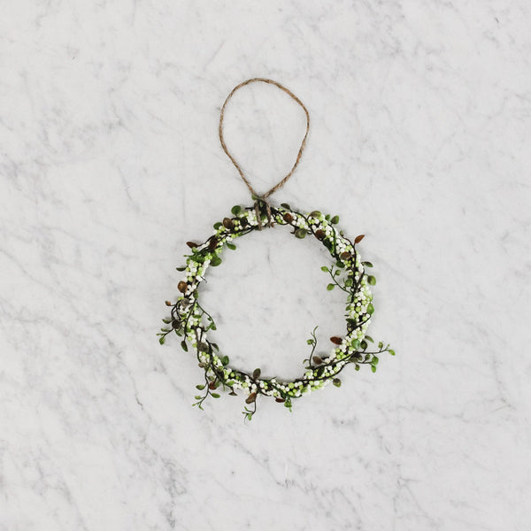 medium Angel Vine & Berry Wreath