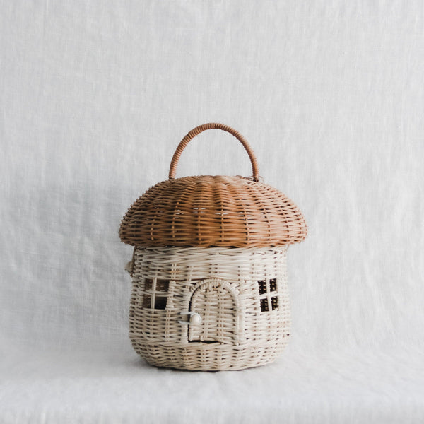 Olli ella Mushroom basket with Holdie folk family