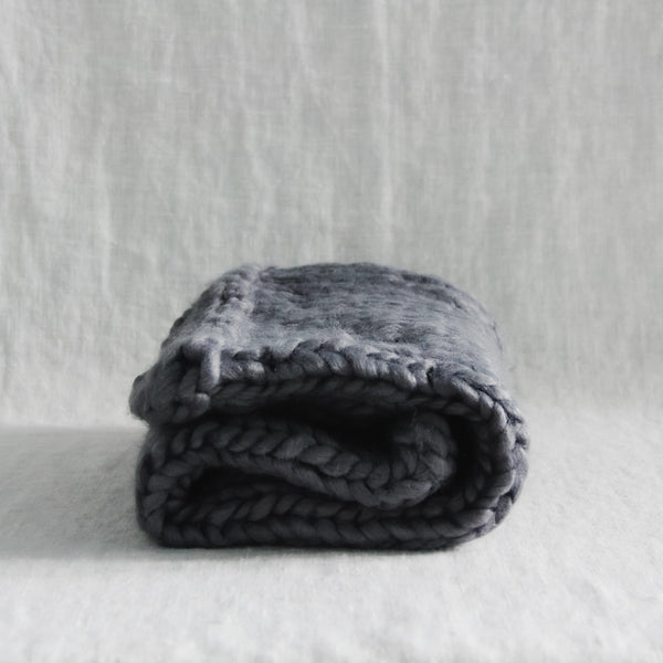 The Blueberry Hill - Thick Knit Blanket