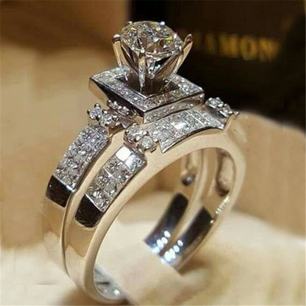 IPARAM Elegant Wedding Engagement Rings Set 2 PCS Silver Anniversary Accessories With Full Shiny Cubiz Zircon Stone