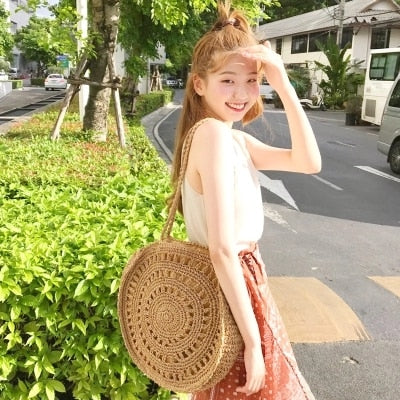 Hollow Round Straw Bags Women Shoulder Bag Large Capacity Beach Bags for Women Bohemian Knitting Hand-Woven Big Straw Bag Totes