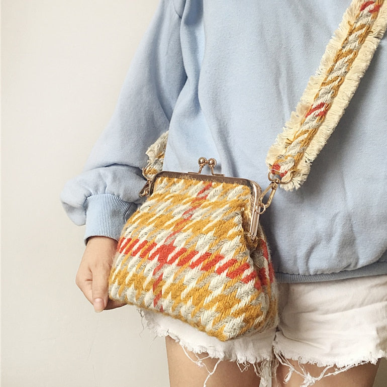 2018 Fashion New Handbag High quality Woolen Women bag Sweet Lady Clamp Shoulder bag Colored Striped Shells Messenger Female bag