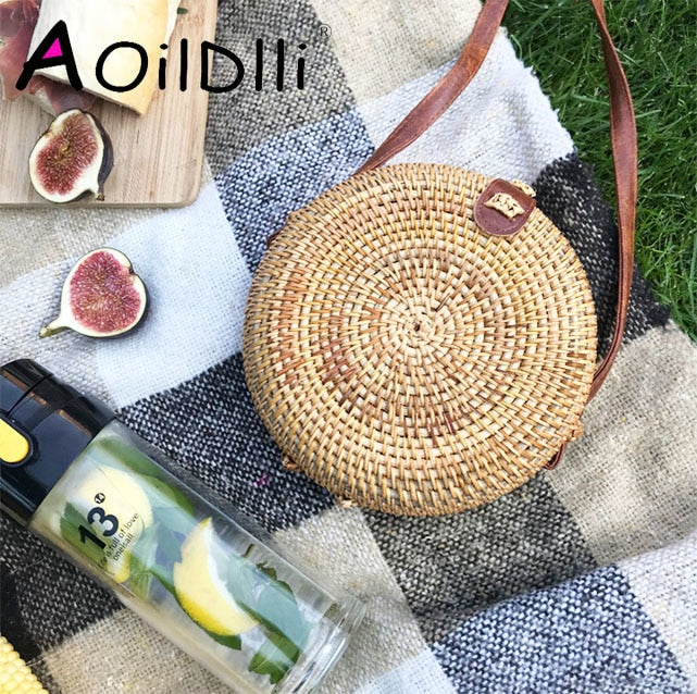 INS Popular Women Handmade Round Beach Shoulder Bag Bali Circle Straw Bags Summer Woven Rattan Handbags Women Messenger Bag