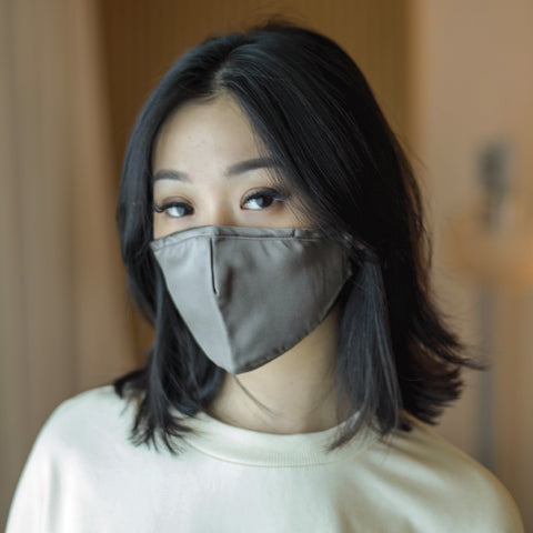 singapore best selling 100% mulberry silk face mask in black white trousseau