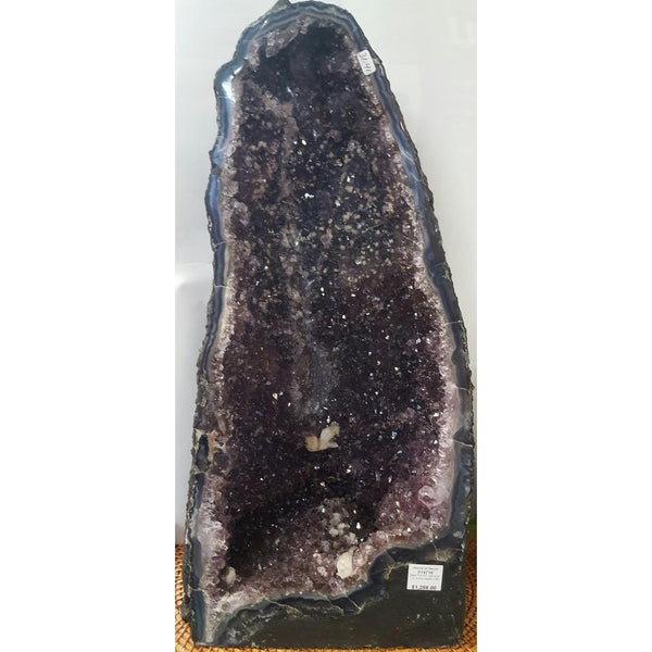 Amethyst geode - WORLD OF DECOR
