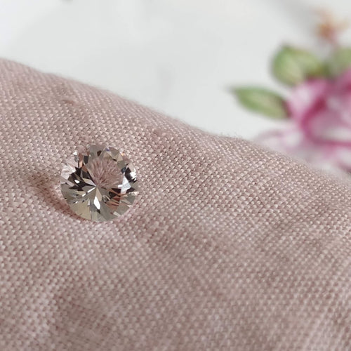 1.29 ct Round Brilliant Soft Pink Morganite