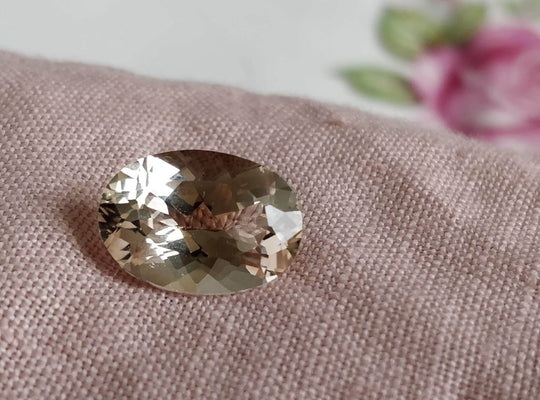6.68 ct Oval Champagne Topaz