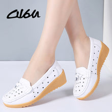 Load image into Gallery viewer, O16U Women Slip on Flats Shoes Cutout breathable Leather Loafers Shoes Women Round toe Moccains Ladies Casual Ballet Flats Shoes