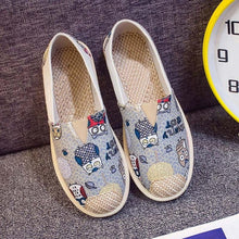 Load image into Gallery viewer, Women Slip On Print Fashionable Flats Canvas Autumn Female Flat Shoes Casual Breathable Striped Comfortable Ladies Footwear 2018