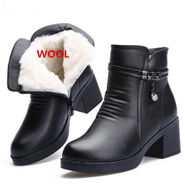 ZXRYXGS brand Fashion Shoes 2019 New Genuine Leather Boots Women Shoes Comfortable Warm Wool Boots Snow Boots Winter Women Boots