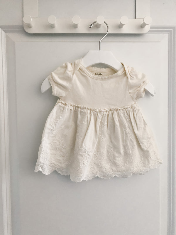 Old Navy baby dress | 0-3m