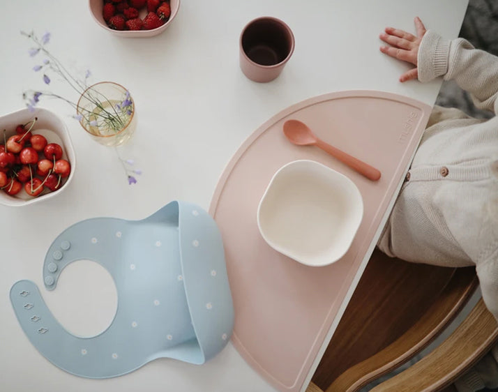 Mushie | Silicone place mat (powder pink confetti)