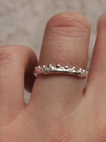 Dainty silver crown ring