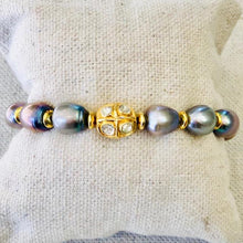 Load image into Gallery viewer, Pearl, Gold And Diamond Bracelet