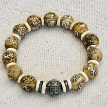 Load image into Gallery viewer, Conch Shell Mala Beads And Diamond Bracelet