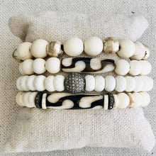 Load image into Gallery viewer, White Agate And Diamond Bracelet