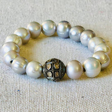 Load image into Gallery viewer, Pearl And Diamond Bracelet