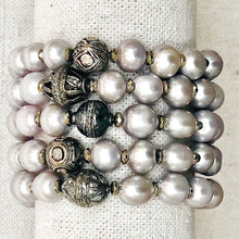 Load image into Gallery viewer, Grey Pearl And Diamond Bracelet