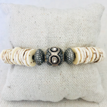 Load image into Gallery viewer, Shell And Diamond Bracelet