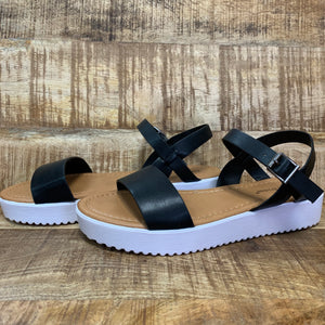 One Call Away Sandal ~ Black