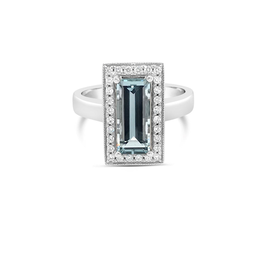 White gold rectangular aquamarine ring