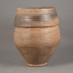 Collared Urn Wilsford