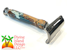 Load image into Gallery viewer, Safety Razor / Gunmetal - Resin / Woodland Camo