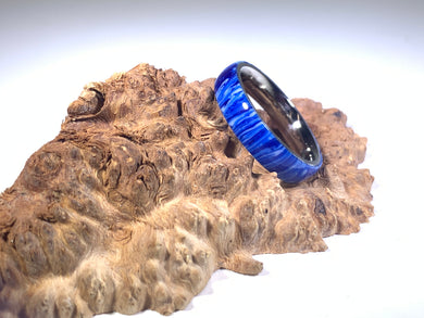 Ring / 4mm Stainless Steel - Resin / Wildcats - Size 9