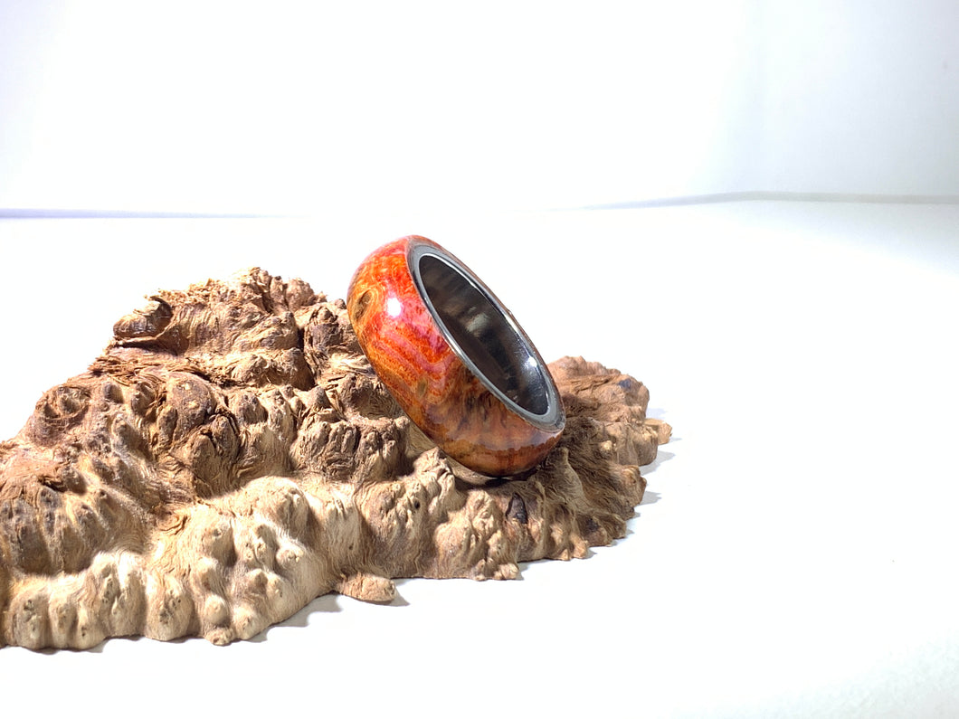 Ring / 8mm Stainless Steel - Wood / Stabilized Dyed Big Leaf Maple - Size 10 1/2